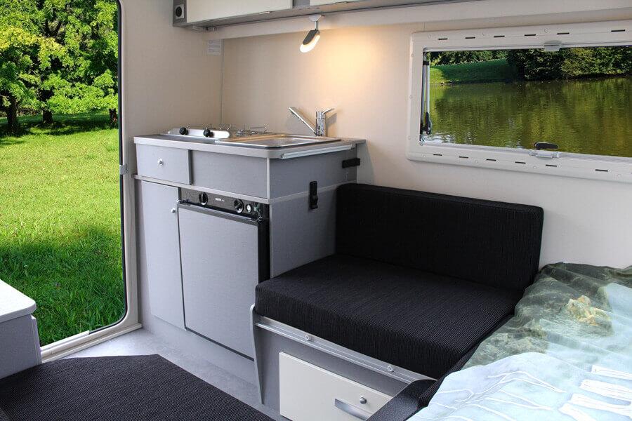 Waar een compacte caravan groots in kan zijn - Kip Shelter Plus