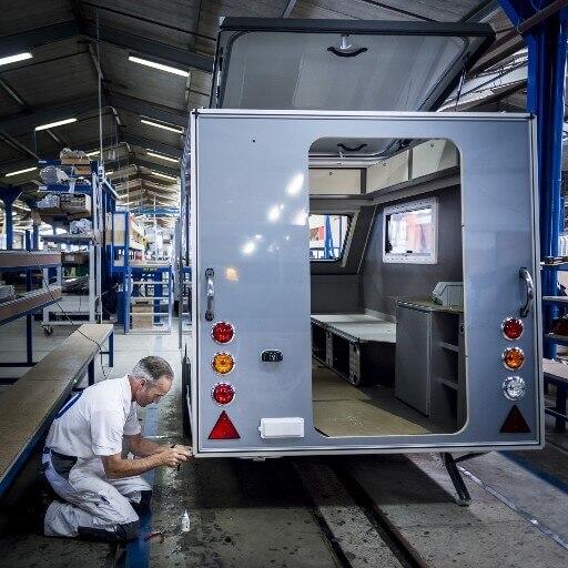 Kip Caravan Fabriek - Shelter
