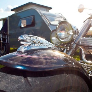 Kleine Caravan / Motortrailer
