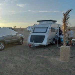 Fam-Bom-Shelter-camping-sahara