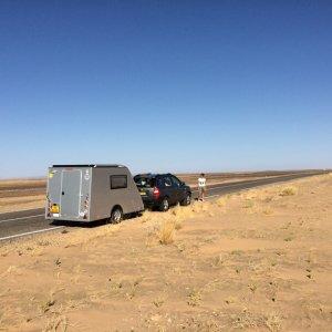 Fam-Bom-omgeving-Sahara-onderweg-2